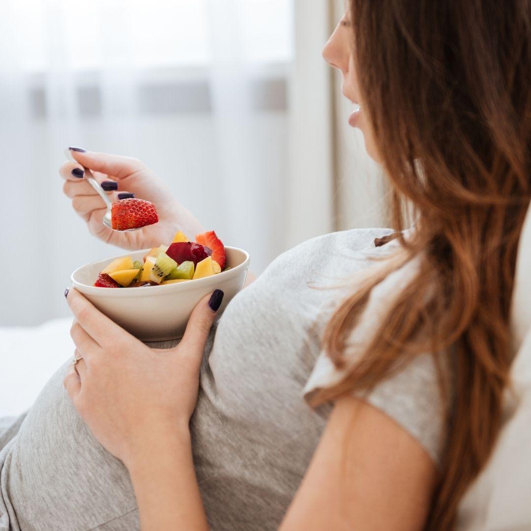 Na co zwrócić uwagę odżywiając się w ciąży?