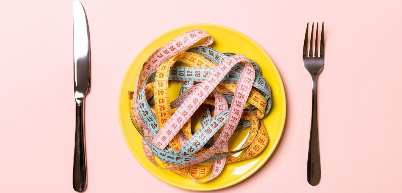 Pryzczyną nadwagi jest niedożywienie.