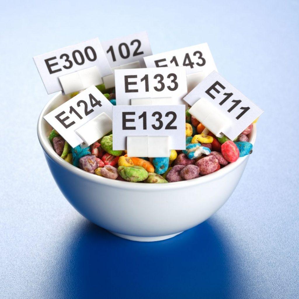 dodatki do żywności są obecne w pokarmach