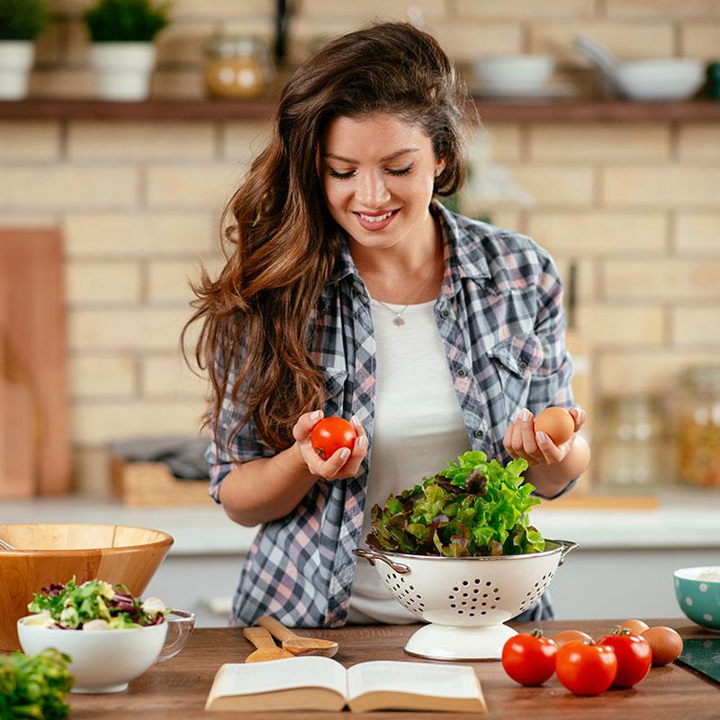 Dieta antycellulitowa to odpowiedź na pytanie jak zlikwidować cellulit.