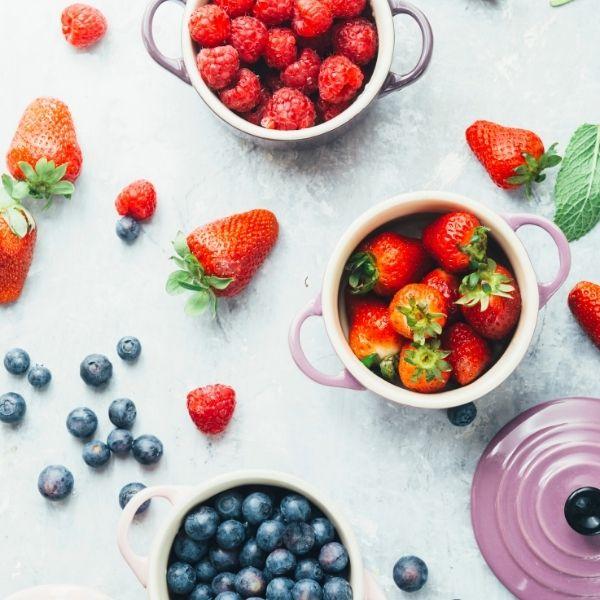 Kolejny nieodłączny element wiosennej diety to owoce.