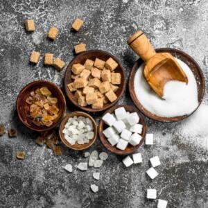 Jedz mniej cukru, by zachować zdrowe jelita.