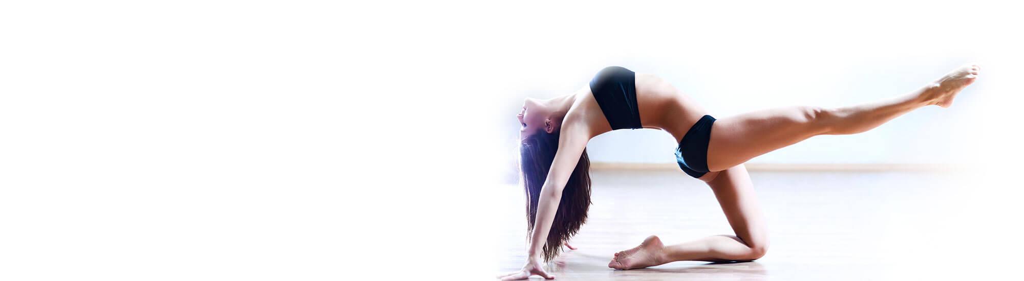 Zabiegi na ciało pozwalają wymodelować sylwetkę, zlikwidować depozyty tłuszczu w najtrudniejszych miejscach, którym nie pomogą żadne ćwiczenia - na brzuchu, na udach, na ramionach. Także ujędrnianie skóry jest niezbędne, kiedy wraz z wiekiem traci ona elastyczność i zwartość.