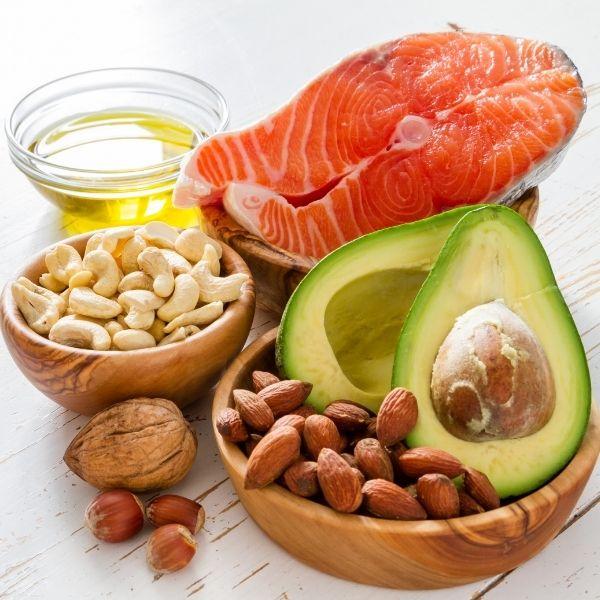 Nie eliminuj z diety tłuszczu i białek