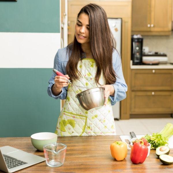 Naucz się gotować i dobrze bawić podczas zakupów oraz w kuchni